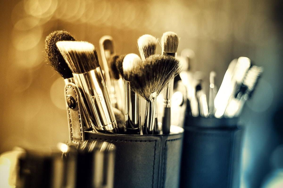 limpiar tus brochas de maquillaje